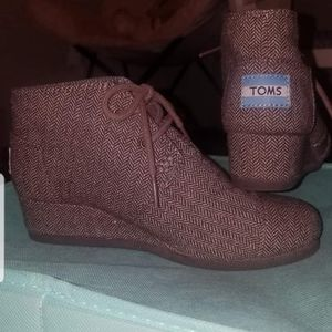 Girls Toms wedges